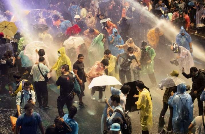 Thai police use water cannons against Bangkok protesters