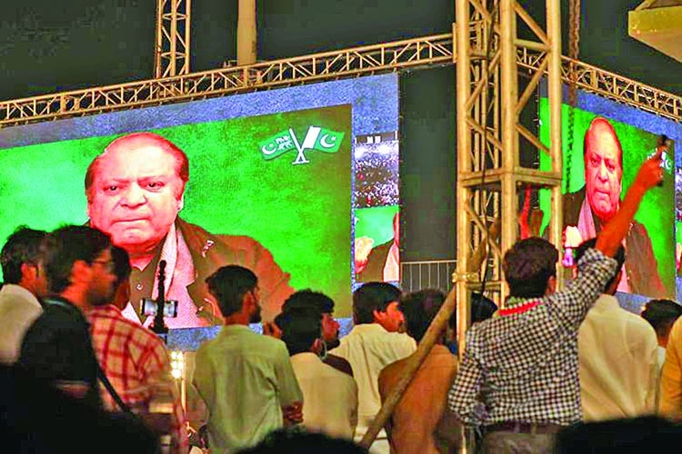 Nawaz accuses army chief of toppling his govt