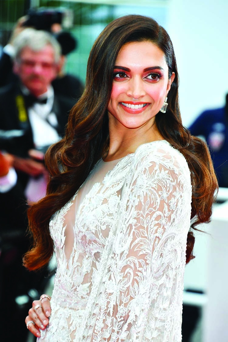 Deepika joins SRK as agent in 'Pathan'