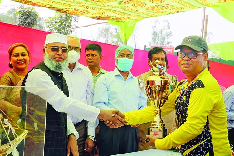 Prize distribution ceremony of Milestone College cricket Tournament held