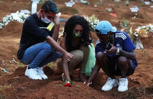 ব্রাজিল সরাসরি 2 দিনের জন্য 3,000 কোভিড -19 মৃত্যুর খবর দেয়