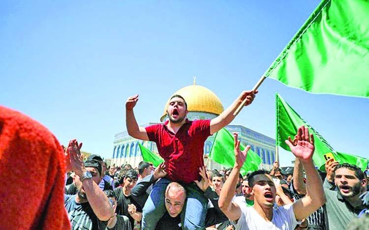 Scores injured as Israeli police, Palestinians clash