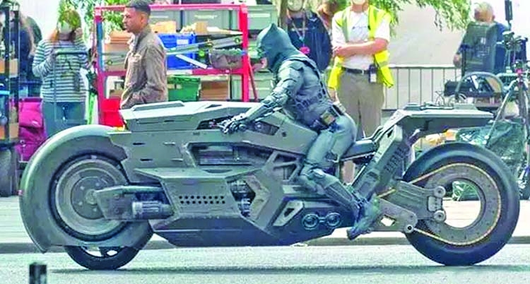 Batman to ride this new Batcycle in 'Flash' movie