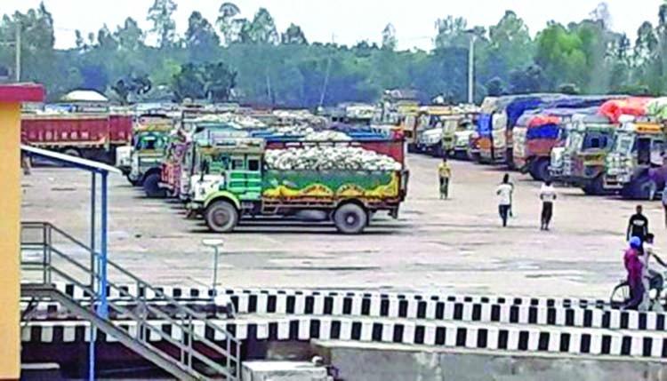 Banglabandha land port resumes