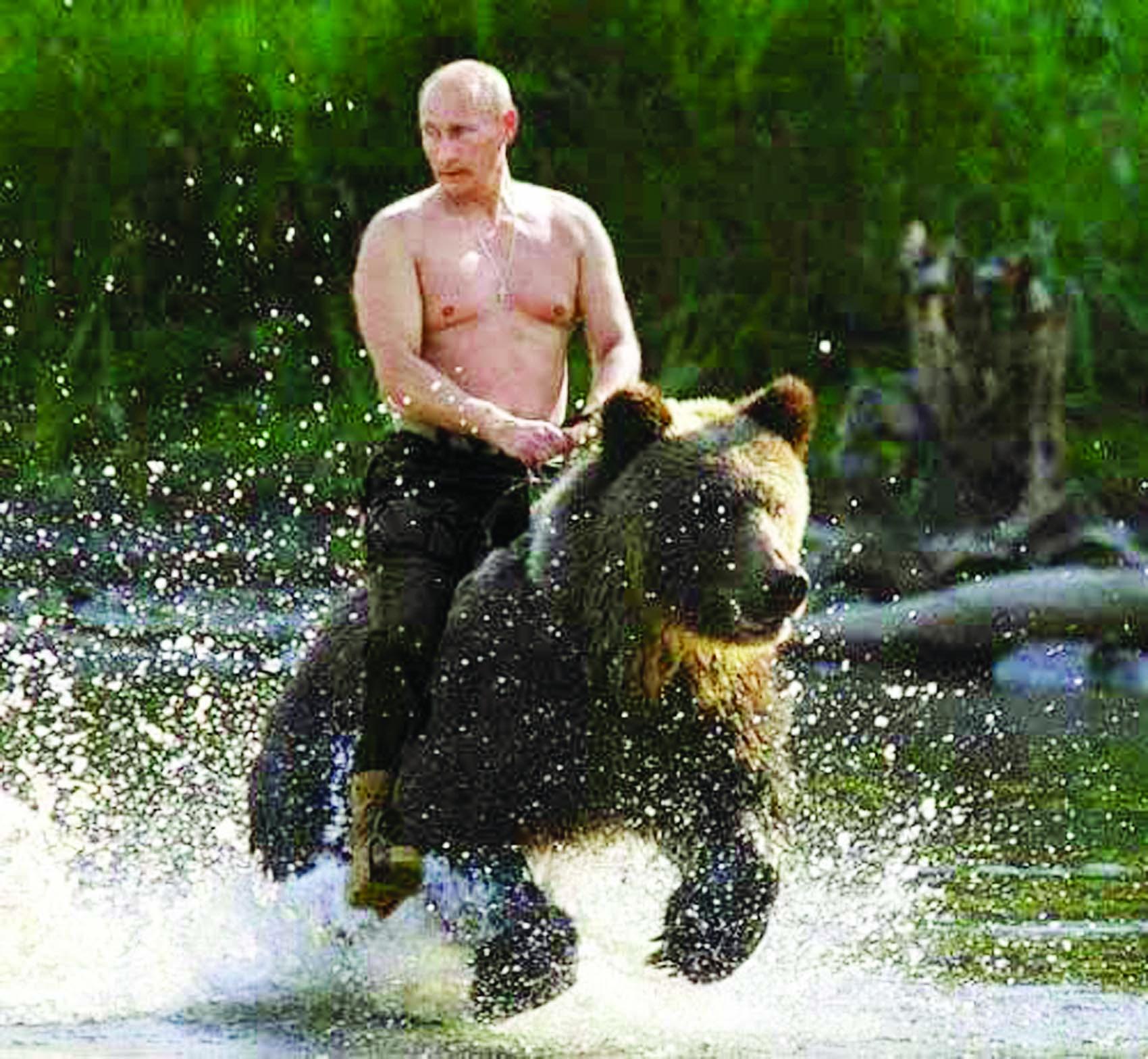 Putin goes shirtless for new 2016 calendar