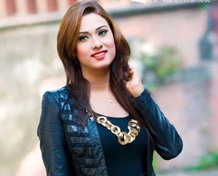 Bomb at 'Bijli' shoot injures Bobby, others
