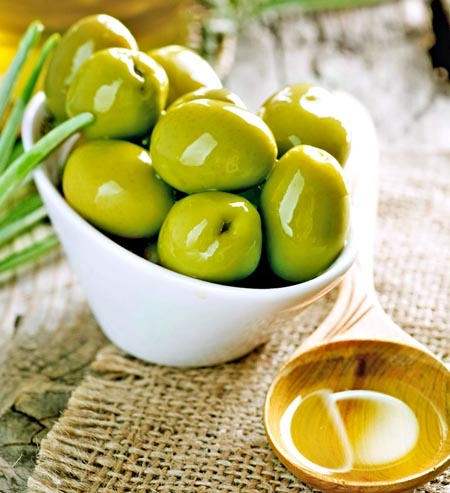 Nutrition facts & health  benefits of Olives