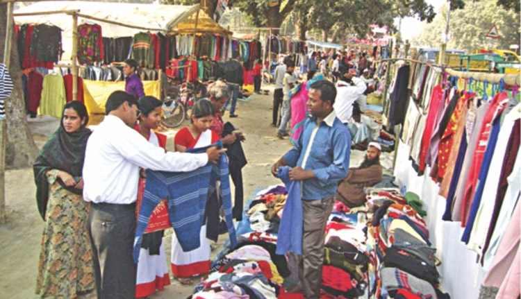 Sale of winter clothes  peaks in Rajshahi