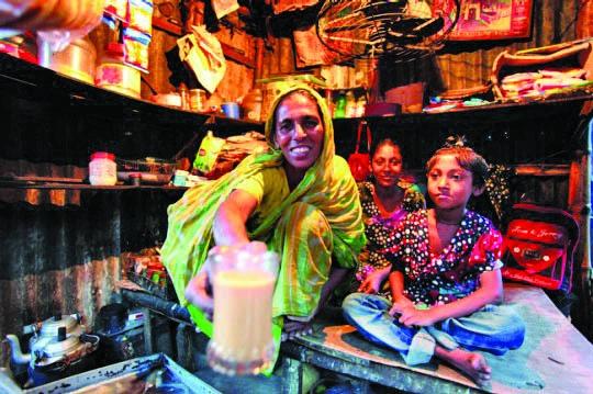 Bangladesh: Empowering women to fight poverty