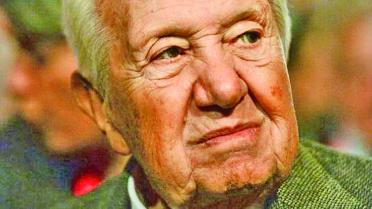 Soares, Portugal's father  of democracy dies at 92