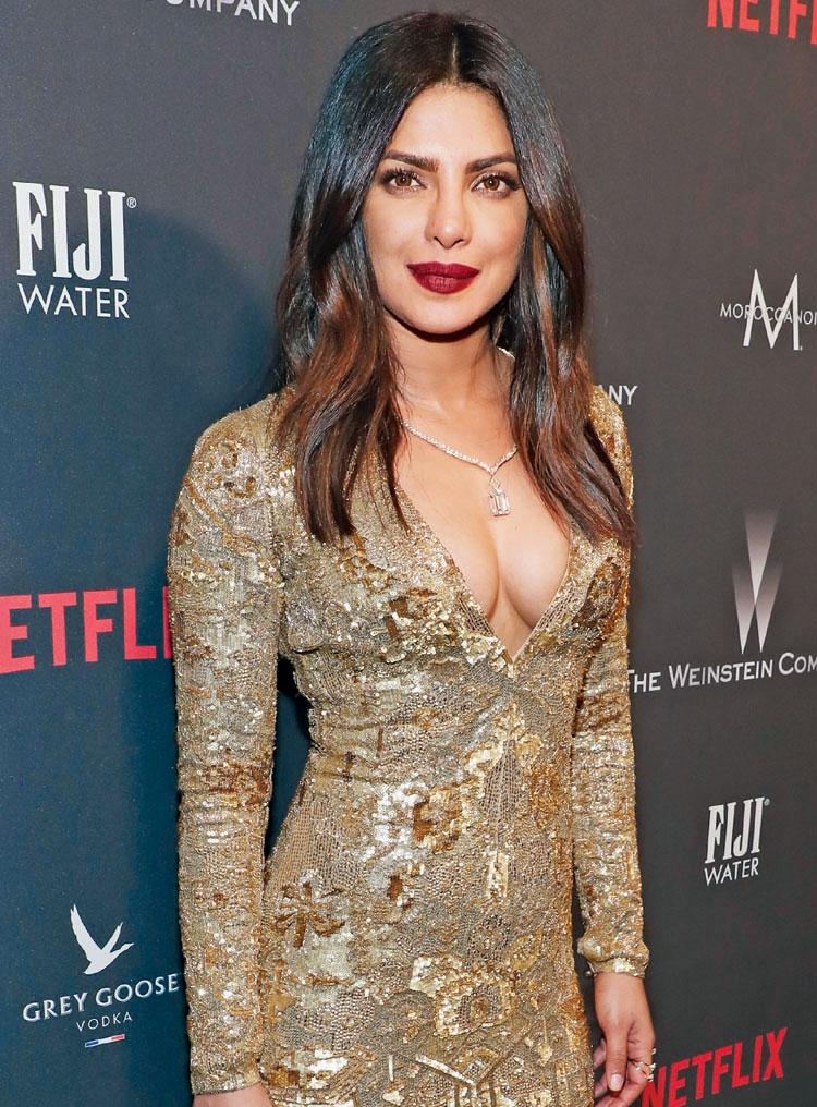 Priyanka dazzles at the Golden Globe red carpet