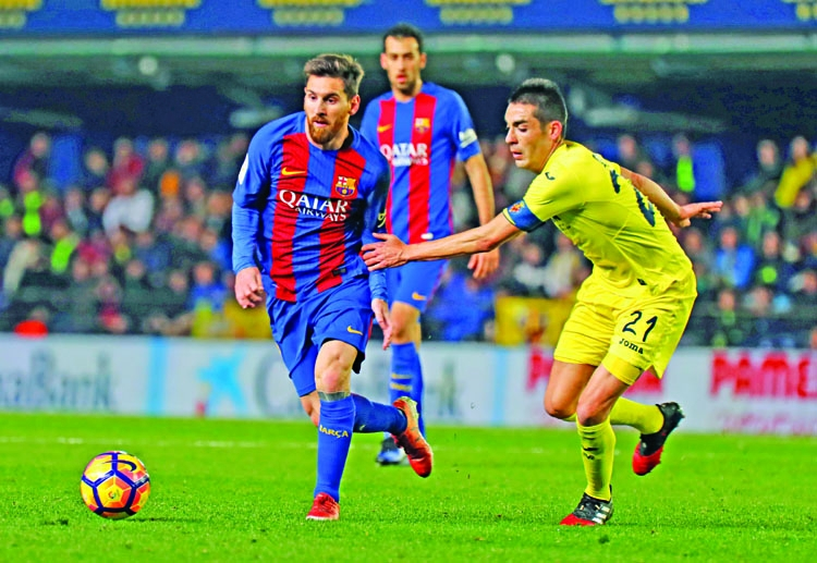 Messi to the rescue, but Barca lose ground on Real