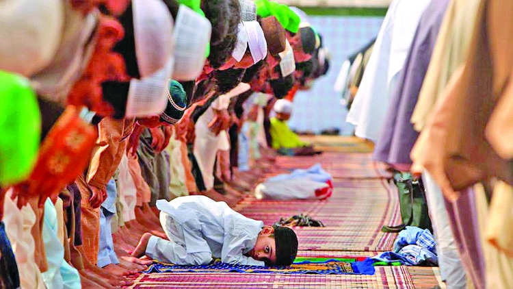 Pakistan to introduce  even prayer timings