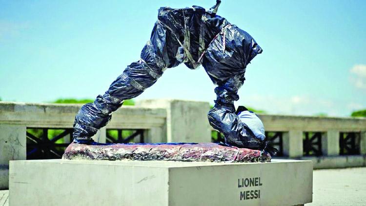 Messi statue 'decapitated' in Argentina
