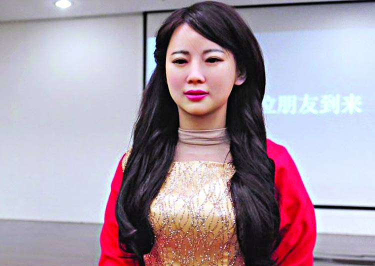 Chinese robot turns on the charm