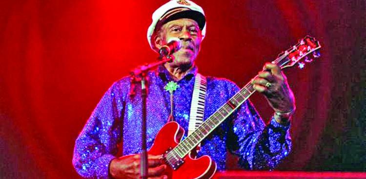 Rock 'n' roll pioneer Chuck Berry dies at 90