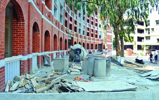 Irregularities in Ctg court building construction