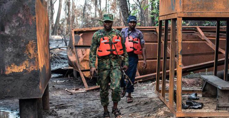 Nigeria cracks down on illicit oil refineries