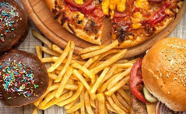 Reasons we go for junk food when stressed