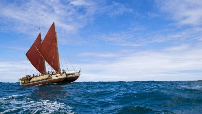Hawaiian Hokule'a canoe makes it round the world