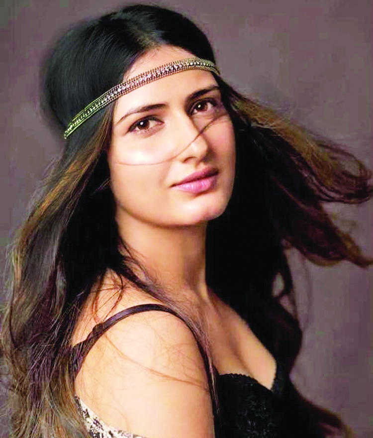 Fatima Sana Shaikh shooting Thugs Of Hindostan in Malta