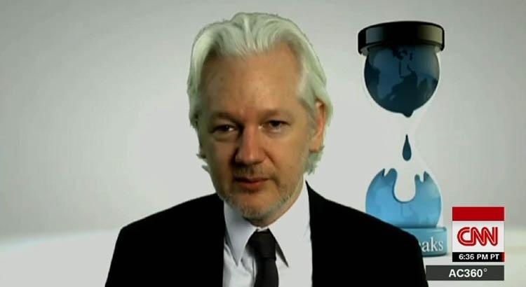 Julian Assange joins war against CNN