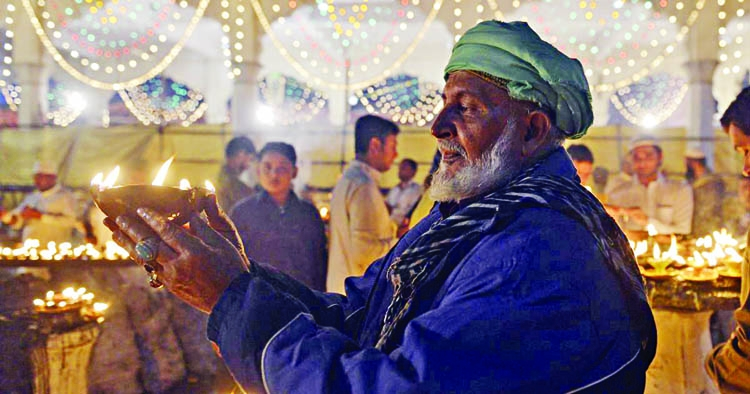 How Hindu temple by a Muslim, Sufi shrine by a Sikh renovated