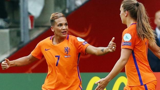 Hosts Netherlands win Women's Euro 2017 opener