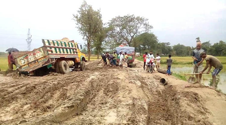 Sorry state of road reduces tourists in Durgapur