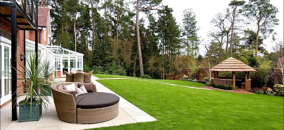 Eight garden interior design tips