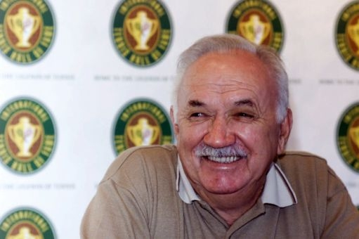 Two-time major winner and coach Mervyn Rose dies