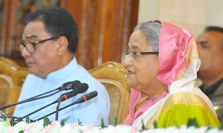 PM asks DCs' to let people enjoy development