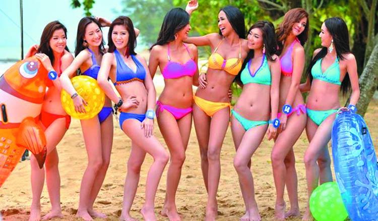 Bikini pics of miss world — 13