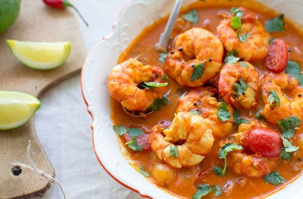 Shrimp in yellow curry
