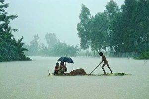 Freakish monsoon brings rain, swells rivers