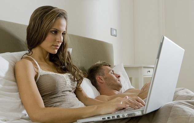 Internet made woman more unfaithful