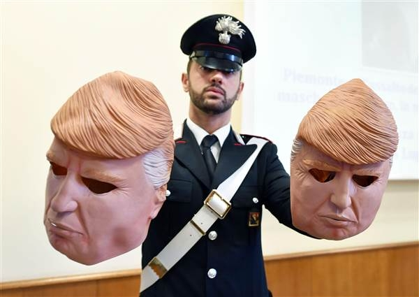 [WATCH] Italian bank robbers wear Trump masks during heists