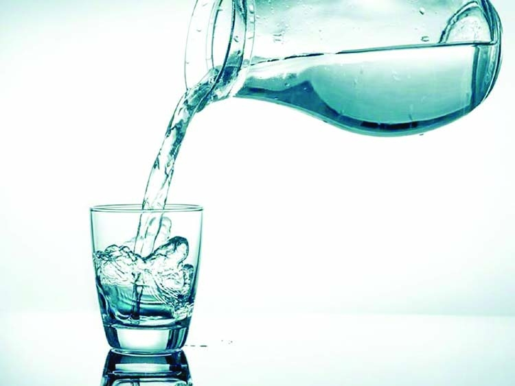 Unbelievable benefits  of drinking water on  an empty stomach