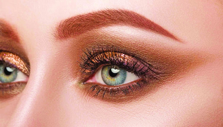 Simple makeup tips to make your eyes pop