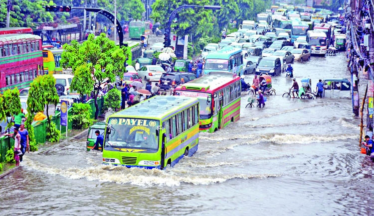 Rain wreaks havoc to capital Dhaka