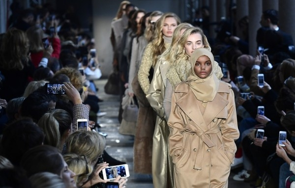 Hijab-wearing model breaks barriers