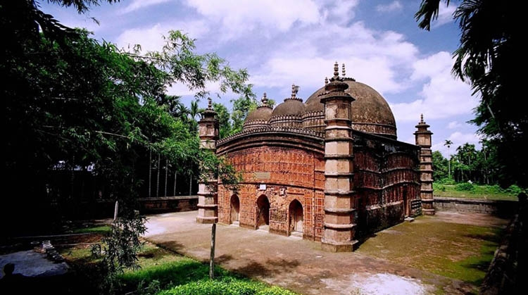 Famous mosque of Mughal period