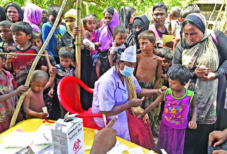 Health facilities struggle  to cope new Rohingyas