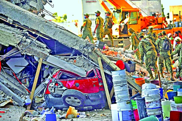 Powerful quake in Mexico  kills 250