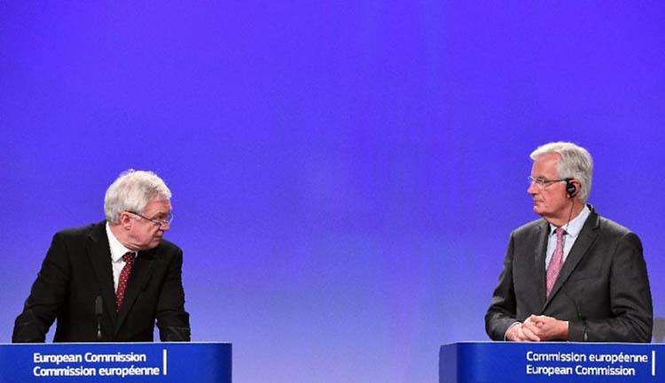 Brexit negotiators hail progress