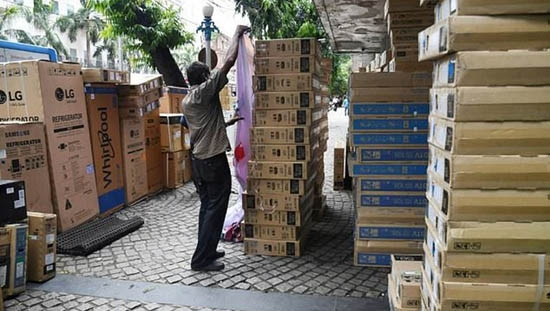 India eases tax burden for smaller businesses