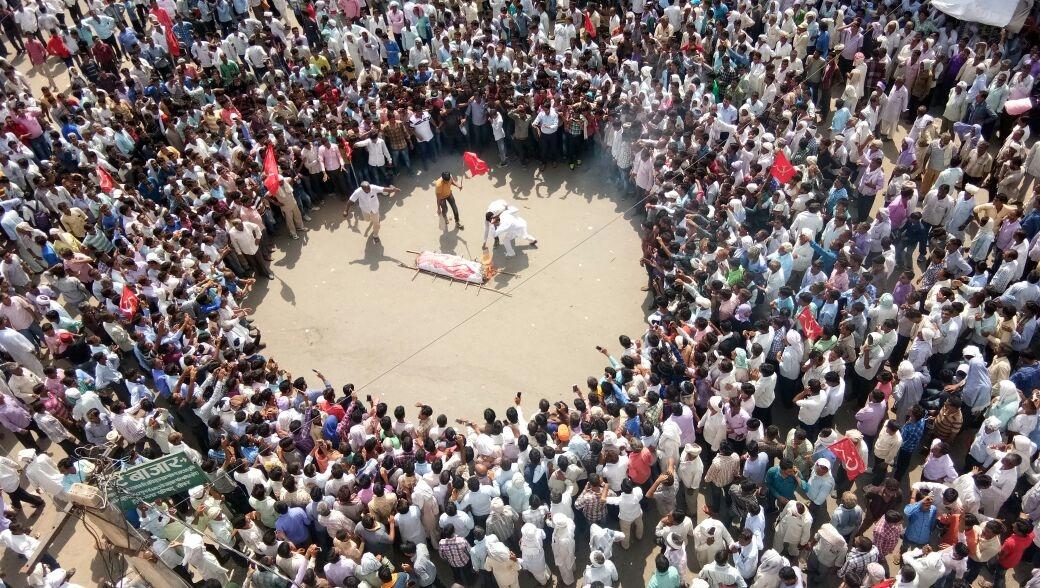 Hindu priest kills Muslim folk singer; 200 Muslims flee village