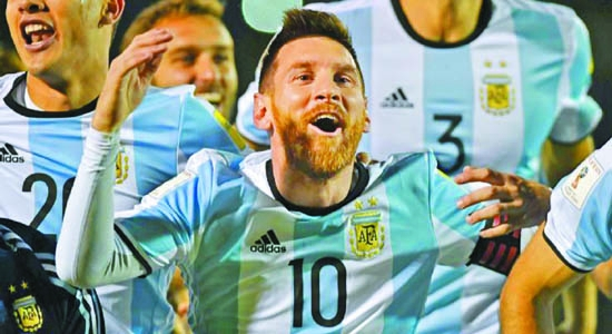 Messi lifts Argentina into World Cup