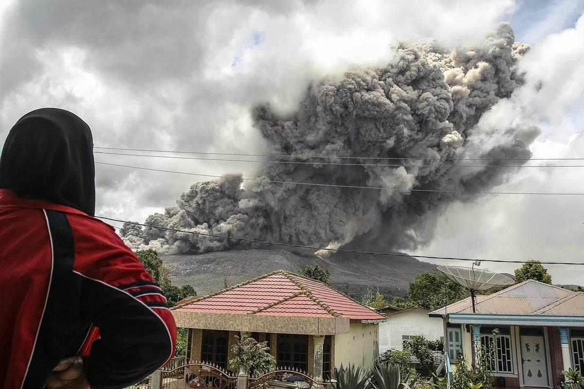 Volcano erupts in Indonesia's North Sumatra