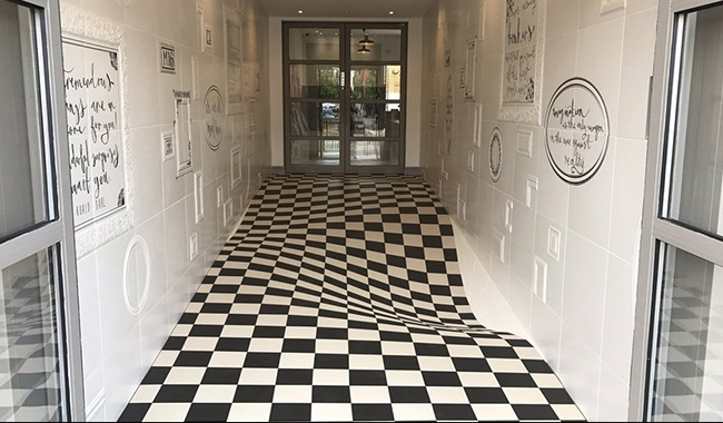 Optical illusion on this floor went viral on the internet